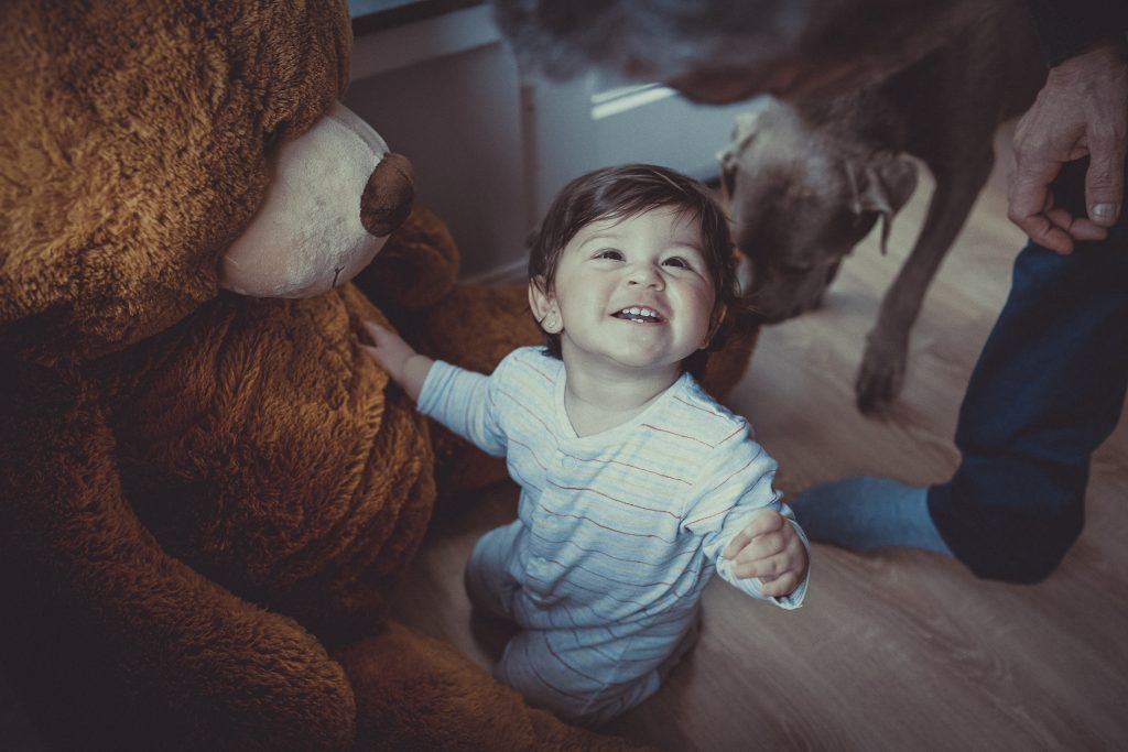 Taufkind mit bären