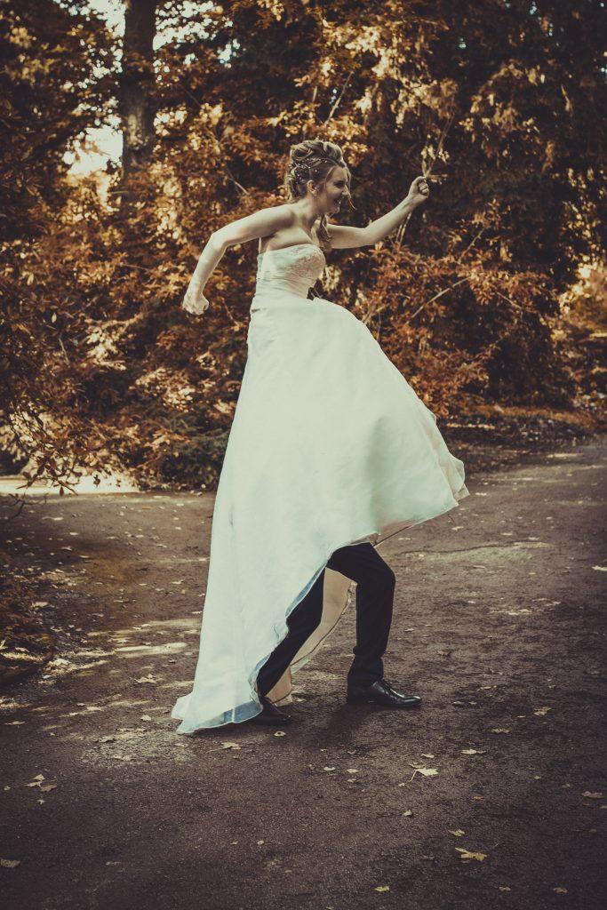 lustiges Hochzeitsfoto eines Preshootings